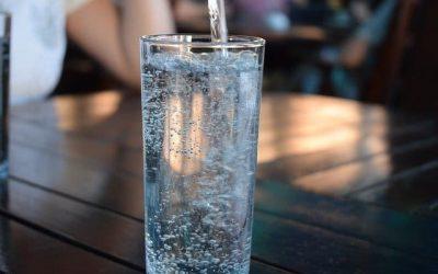 Quelle quantité d'eau devons-nous boire par jour ?